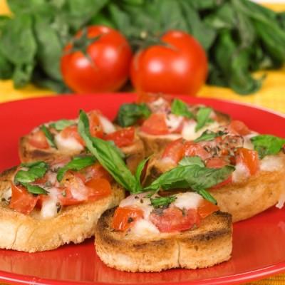 Pomodoro Crostini – Festive Friday!