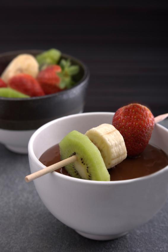 Orange-Chocolate Fondue for Valentine's Day and Chocolate Monday ...