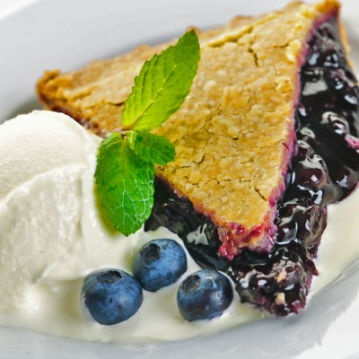 Fresh Blueberry Pie – The Flavors of Summer All Year Long