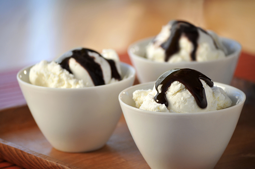 3 Bowls Ice Cream Choc Sauce
