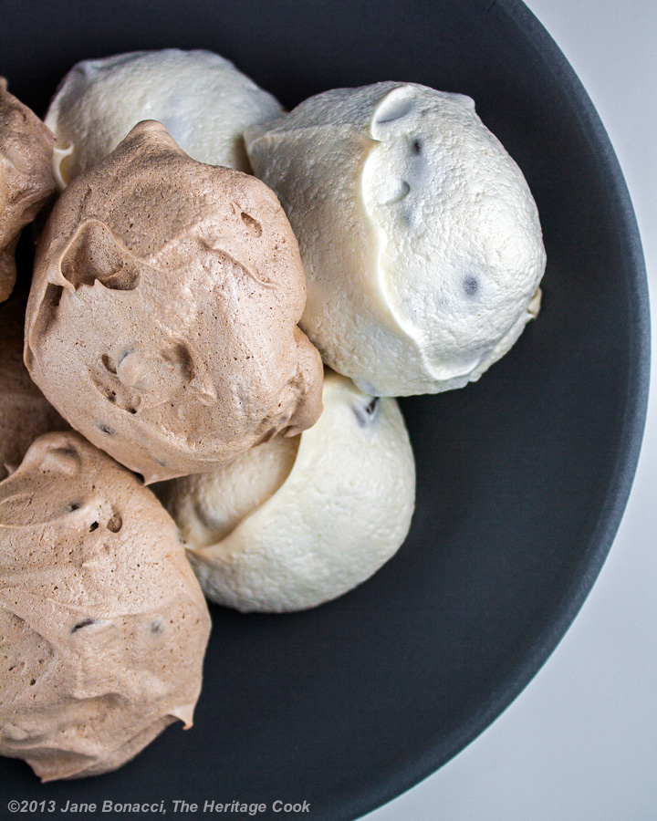 ... looks like ice cream, but these are Chocolate Chip Meringue Cookies