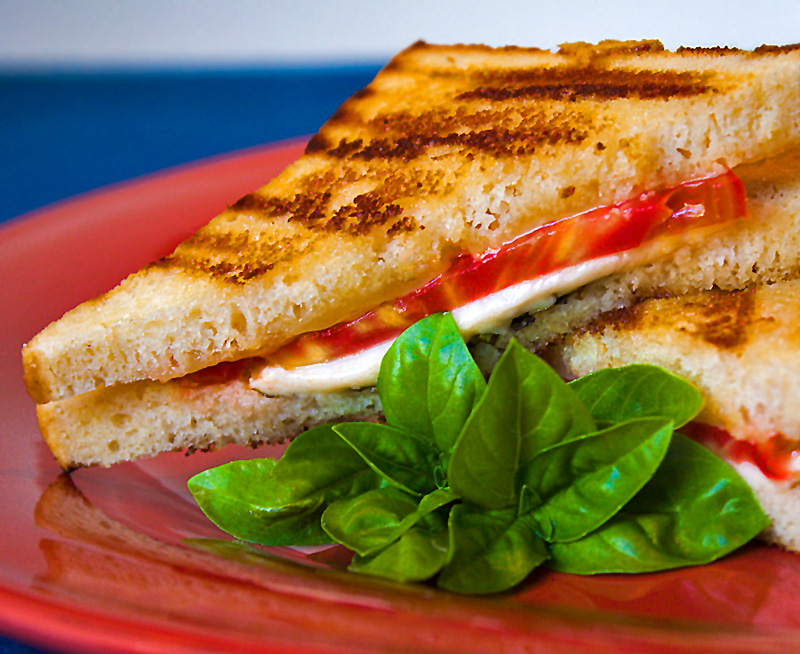 Caprese Grilled Cheese Sandwiches (Gluten-Free)
