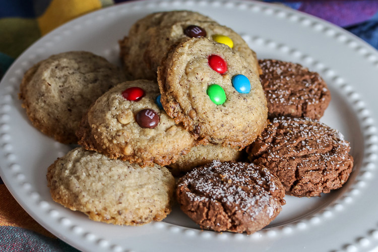 Hazelnut – White Chocolate Chip Cookies (Gluten-Free & Egg-Free)