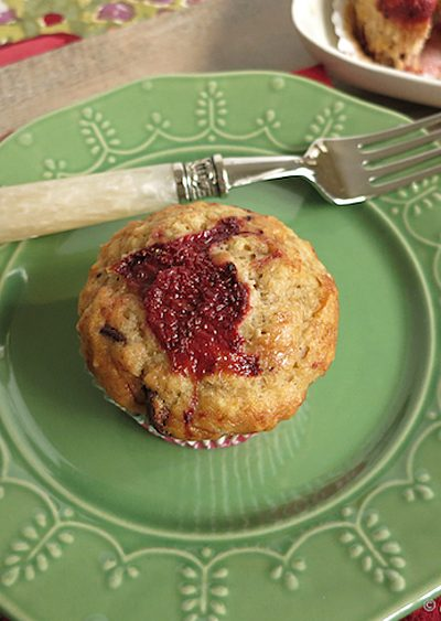 Banana Chocolate Chip Muffins with Roasted Strawberries from OMG Yummy!