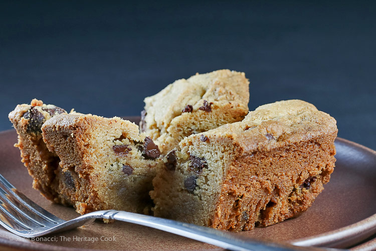 Gluten Free Peanut Butter Chocolate Chip Bar Cookies © 2018 Jane Bonacci, The Heritage Cook